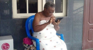 photos-of-72-year-old-nigerian-grand-mum-who-is-on-facebook-whatsapp-and-instagram