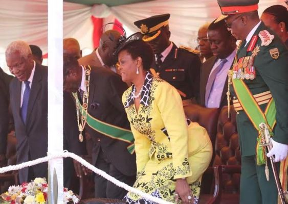 president-mugabe-reportedly-fired-his-military-cheif-for-staring-at-his-wife-photos-1