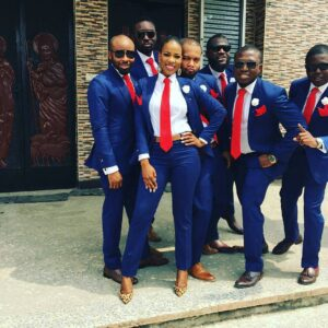 lady-plays-groomsman-role-at-the-wedding-of-her-brother-photos-1