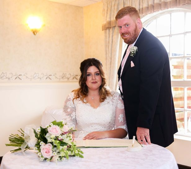 wedding-photos-of-bride-giving-her-groom-heads-go-viral-online-1